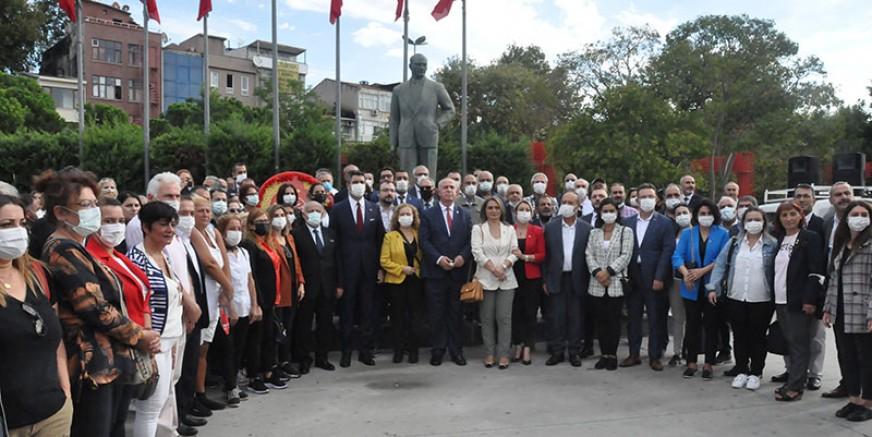 CHP Kartal 98. kuruluş yıldönümünü kutladı