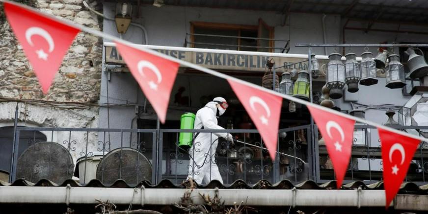 Dünya basın haftalardır Türkiye'yi öve öve bitiremedi