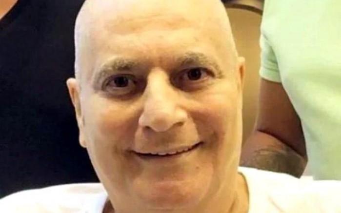Mehmet Ali Erbil saçlarını kazıttı