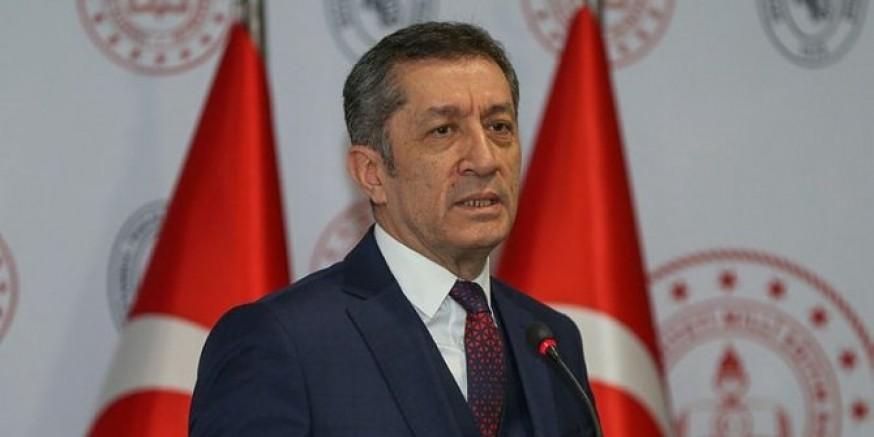 Milli Eğitim Bakanı Ziya Selçuk'tan 23 Nisan müjdesi